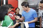 Shahrukh Khan at Reebok and bollywoodhungama.com meets the My Name Is Khan online contest winners in Mannat on 23rd March 2010 (14).JPG
