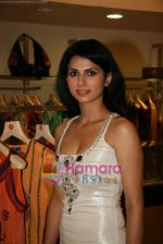 Daisy Bopanna at Payal Singhal_s exhibition in Atria Mall on 24th March 2010 (11).JPG