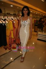 Daisy Bopanna at Payal Singhal_s exhibition in Atria Mall on 24th March 2010 (17).JPG