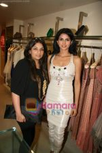 Daisy Bopanna, Payal Singhal at Payal Singhal_s exhibition in Atria Mall on 24th March 2010 (4).JPG