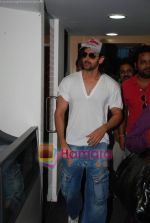 Hrithik Roshan at Radio City in Bandra on 24th March 2010 (24).JPG