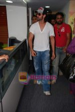 Hrithik Roshan at Radio City in Bandra on 24th March 2010 (25).JPG