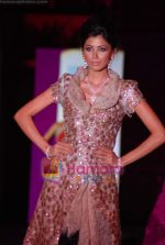 at Orra Fashion showcase in Grand Hyatt, Mumbai on 25th March 2010 (33).JPG
