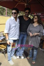 Dimple Kapadia, Kabir Sadanand, Sunil Shetty at Tum Milo toh Sahi media meet in Bandra on 29th March 2010 (2).JPG