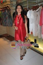 Juhi Chawla at Neeta Nishka Lulla summer preview in Samsara on 29th March 2010 (132).JPG