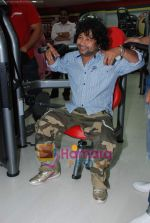 Kailash Kher at the launch of  Snap 24-7 Gym in Malad, Near Croma on 29th March 2010 (13).JPG