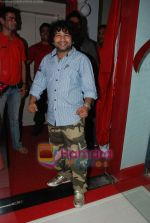 Kailash Kher at the launch of  Snap 24-7 Gym in Malad, Near Croma on 29th March 2010 (4).JPG