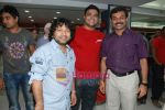 Kailash Kher at the launch of  Snap 24-7 Gym in Malad, Near Croma on 29th March 2010 (7).JPG