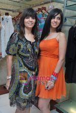 Neeta and Nishka Lulla at Neeta Nishka Lulla summer preview in Samsara on 29th March 2010 (4).JPG