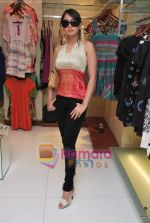Preeti Jhangiani at Neeta Nishka Lulla summer preview in Samsara on 29th March 2010 (5).JPG