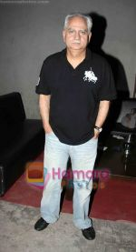 Ramesh Sippy at Sudhir Mishra_s IIFW in Blue Frog on 29th March 2010 (2).JPG
