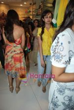 Shazahn Padamsee at Neeta Nishka Lulla summer preview in Samsara on 29th March 2010 (8).JPG