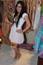 Soniya Mehra at Neeta Nishka Lulla summer preview in Samsara on 29th March 2010 (2).JPG