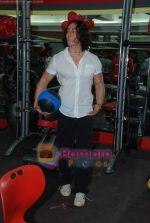 Tiger Shroff at the launch of  Snap 24-7 Gym in Malad, Near Croma on 29th March 2010 (3).JPG