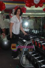 Tiger Shroff at the launch of  Snap 24-7 Gym in Malad, Near Croma on 29th March 2010 (7).JPG