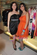 Urvashi Sharma, Nishka Lulla at Neeta Nishka Lulla summer preview in Samsara on 29th March 2010 (127).JPG