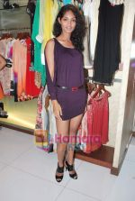 at Neeta Nishka Lulla summer preview in Samsara on 29th March 2010 (120).JPG