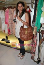 at Neeta Nishka Lulla summer preview in Samsara on 29th March 2010 (125).JPG