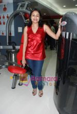 at the launch of  Snap 24-7 Gym in Malad, Near Croma on 29th March 2010 (17).JPG