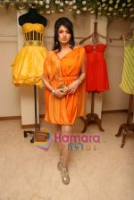 Bhagyashree at the Launch of Nisha Sagar_s Summer wear collection in Juhu on 30th March 2010 (10).JPG