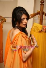 Bhagyashree at the Launch of Nisha Sagar_s Summer wear collection in Juhu on 30th March 2010 (3).JPG