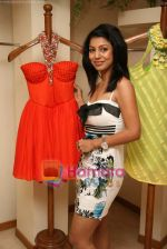 Debina Bonerjee at the Launch of Nisha Sagar_s Summer wear collection in Juhu on 30th March 2010 (10).JPG