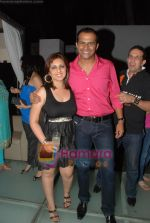 Munisha Khatwani, Siddharth Kannan at Siddharth Kannan_s Surprise Birthday Bash in Vie Lounge on 30th March 2010 (2).JPG