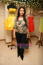 Poonam Dhillon at the Launch of Nisha Sagar_s Summer wear collection in Juhu on 30th March 2010 (3).JPG
