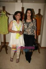 Poonam Dhillon at the Launch of Nisha Sagar_s Summer wear collection in Juhu on 30th March 2010 (6).JPG