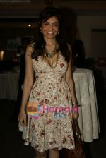 Queenie Dhody at Maheka Mirpuri_s Summer white collection launch in Prabhadevi, Mumbai on 30th March 2010 (4).JPG