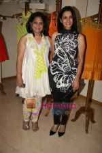 Sharon Prabhakar at the Launch of Nisha Sagar_s Summer wear collection in Juhu on 30th March 2010 (2).JPG