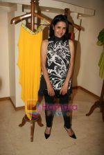 Sharon Prabhakar at the Launch of Nisha Sagar_s Summer wear collection in Juhu on 30th March 2010 (3).JPG