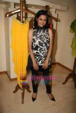 Sharon Prabhakar at the Launch of Nisha Sagar_s Summer wear collection in Juhu on 30th March 2010 (4).JPG