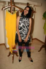 Sharon Prabhakar at the Launch of Nisha Sagar_s Summer wear collection in Juhu on 30th March 2010 (5).JPG