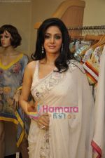 Sridevi at Maheka Mirpuri_s Summer white collection launch in Prabhadevi, Mumbai on 30th March 2010 (10).JPG