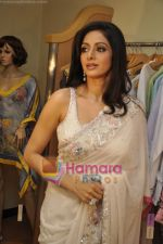 Sridevi at Maheka Mirpuri_s Summer white collection launch in Prabhadevi, Mumbai on 30th March 2010 (12).JPG