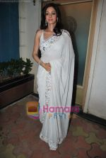 Sridevi at Maheka Mirpuri_s Summer white collection launch in Prabhadevi, Mumbai on 30th March 2010 (43).JPG