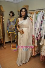 Sridevi at Maheka Mirpuri_s Summer white collection launch in Prabhadevi, Mumbai on 30th March 2010 (8).JPG