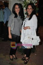 at Maheka Mirpuri_s Summer white collection launch in Prabhadevi, Mumbai on 30th March 2010 (44).JPG