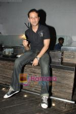 at Siddharth Kannan_s Surprise Birthday Bash in Vie Lounge on 30th March 2010 (43).JPG