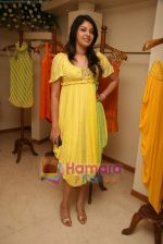 at the Launch of Nisha Sagar_s Summer wear collection in Juhu on 30th March 2010 (32).JPG
