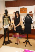 Nishka Lulla at Salvatore Ferrragoma new collection launch  in Trident on 8th April 2010.JPG
