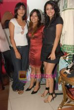 Juhi Pande at Megha Grover store launch in Malad on 9th April 2010 (10).JPG