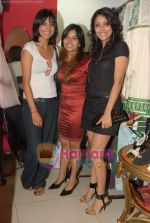 Juhi Pande at Megha Grover store launch in Malad on 9th April 2010 (6).JPG