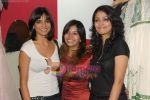 Juhi Pande at Megha Grover store launch in Malad on 9th April 2010 (5).JPG