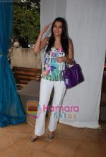 mana shetty at Twinkle Khanna_s The White Window  launch of holiday line Villa Tara in Bandra on 9th April 2010.JPG