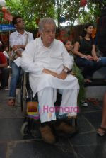 Shashi Kapoor at Prithvi Summertime launch in Prithvi on 10th April 2010 (2).JPG
