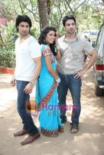 Gagan Kang, Kalpna Mathur, Rajbir Singh at Who_s There film mahurat in Madh on 14th April 2010 (24).JPG