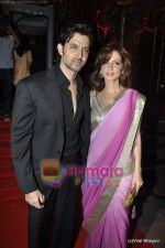Hrithik Roshan, Suzanne Roshan at Fardeen Khan_s sister Laila Khan_s wedding reception to Frahan Furniturewala in Taj Land_s End on 16th April 2010 (2).JPG