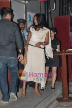 Anu Agarwal at Suresh-Devika Bhojwani bash in Blue Frog on 18th April 2010 (5).jpg
